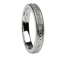 Womens Diamond Claddagh White Gold Wedding Ring