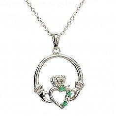 Silber Claddagh Anhänger mit Smaragd