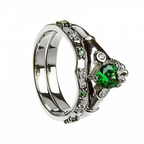 Emerald Claddagh avec la bande correspondante - argent