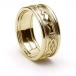 Hommes anneau de mariage Claddagh en relief - Tout en or jaune