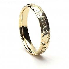 Cour de femmes en forme d'anneau de mariage Claddagh - or jaune