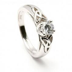 Bague de fiançailles en diamant rond
