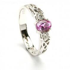 Rosa Saphir Ring aus Weißgold