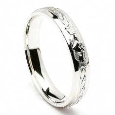 Engraved Silver Claddagh Ring