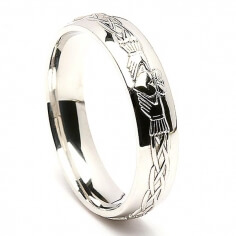 Mens Engraved White Gold Claddagh