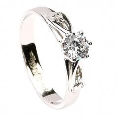 Klassischer Claddagh Verlobungsring - Weißes Gold