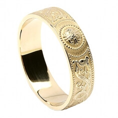 Men's Irish Wedding Ring - Yellow Gold