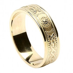 Womens Narrow Irish Ring with Trim - All Yellow Gold