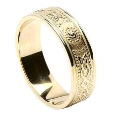 Damen Schmale irische Ring mit Trim - Alles gelbes Gold