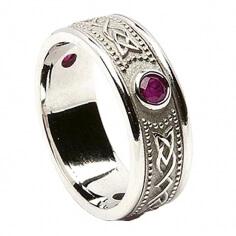 Keltisches Schild Ring mit Rubin - Alles weißes Gold