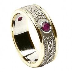 Keltisches Schild Ring mit Rubin - Mit gelber Zierleiste