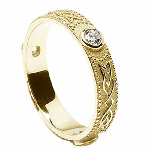 Women's Celtic Diamond Wedding Ring - Gold