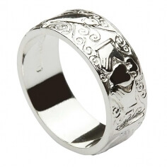 Mens Engraved Claddagh band - Silver