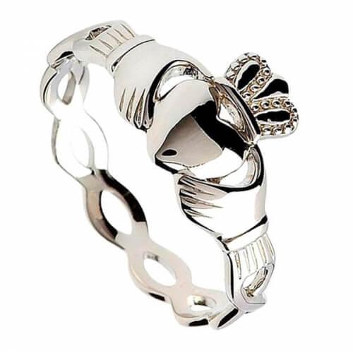 Silberner Claddagh Ring mit gedrehtem Schaft