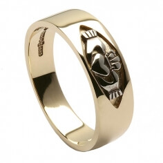 Claddagh Inset Band - Yellow Gold