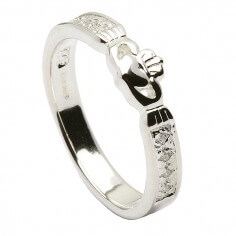 Claddagh CZ Ring - Silver