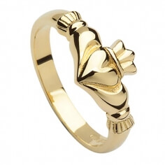 Elegant Claddagh Ring