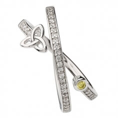 Trinity sillonnent anneau avec péridot