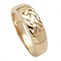 Traditional Celtic Knot Ring - Yellow Gold