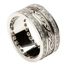 Bague noeud celtique en relief avec bordure en diamant - Tout en or blanc