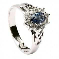 Bague de fiançailles en forme de diamant saphir