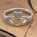 Bague Claddagh en argent avec coeur en or 10K