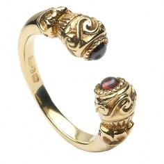 Antiker keltischer Ring mit Edelstein - Gelbgold