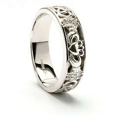 Eitna Claddagh Wedding Ring