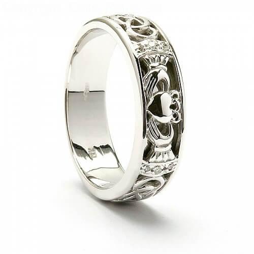 Eitna Claddagh Wedding Ring