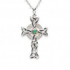 Keltisches Kreuz mit Smaragd